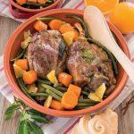 Stinco di maiale profumato al succo di arancia con verdure miste