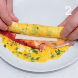 Omelette arrotolate con speck e provolone