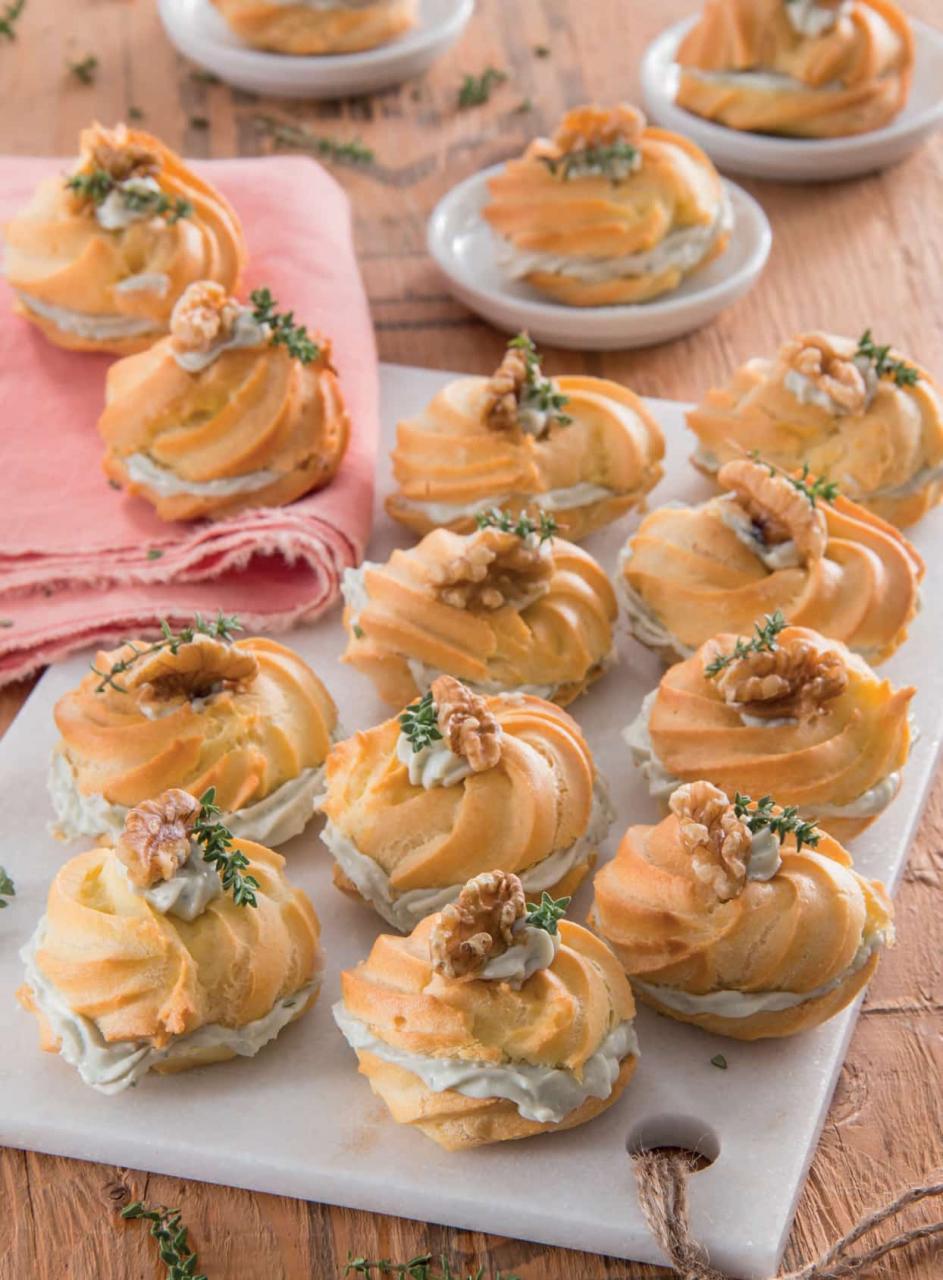 Zeppole salate con crema di gorgonzola