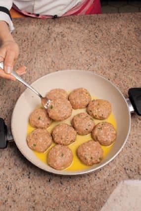 Polpette di carne farcite con pomodori secchi