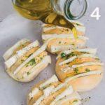 Panini imbottiti con formaggio filante e peperoncino