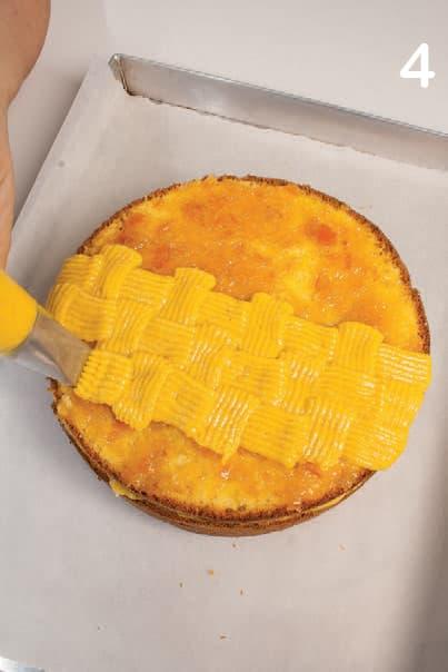 Torta con crema di mandorle e arancia e alla vaniglia
