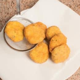 Crocchette di patate e broccoli all'acciuga