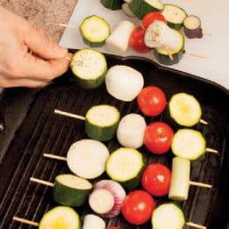 Spiedini di verdure: perfetti per una grigliata vegetariana!