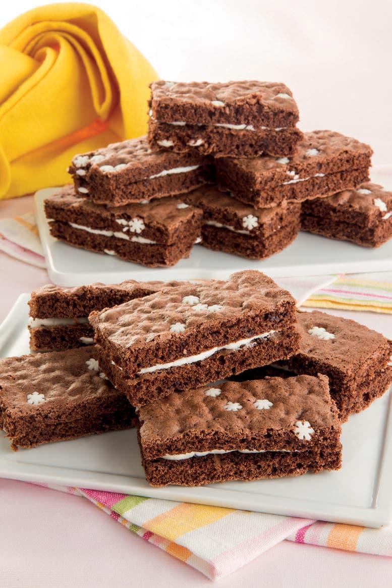 Trancetti al cacao con stelline di zucchero e crema alla vaniglia
