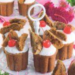 Muffin al cioccolato con latte condensato e ciliegine