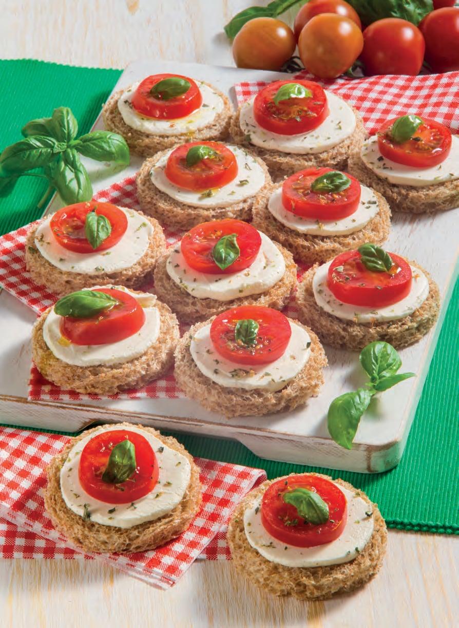 Tartine ai 5 cereali con mini caprese di pomodori