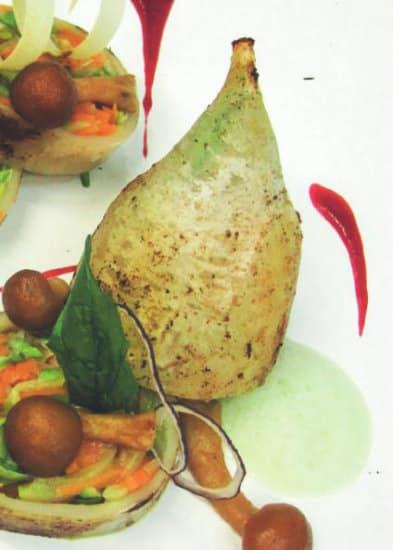 Calamaro ripieno di verdure, salsa al ribes e tartufo nero