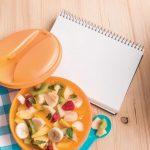 La frutta in ufficio: porta una ricca macedonia o un frutto a fette
