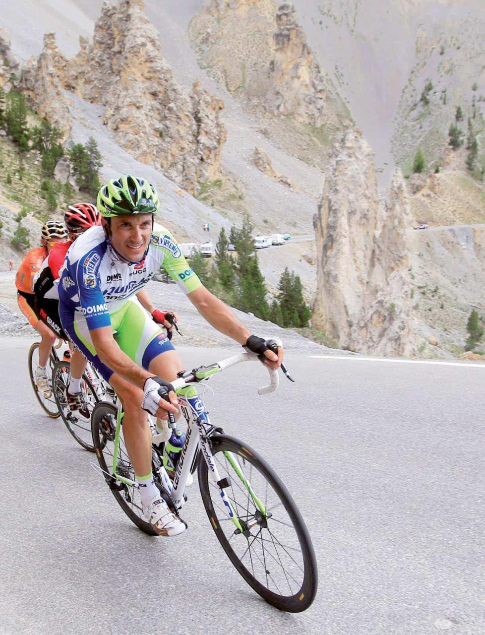 Ivan Basso delude nel Tour de France: ottavo posto a Parigi