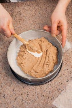 Torta al cacao e noci aromatizzata al rum