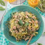 Tagliatelle paglia e fieno con salmone e spinaci