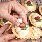 Ricetta delle Tartellette con crema Chantilly