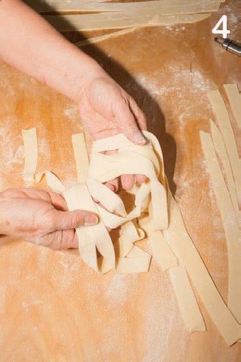Tagliatelle di semola di grano duro: ricetta per farle in casa