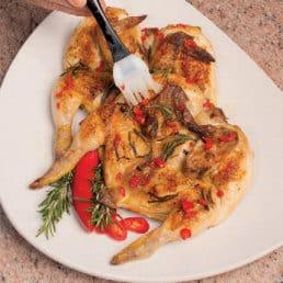 Pollo alla diavola in due varianti (ricetta classica e aromatica)