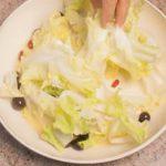 Cotechino con patate al forno, scarola e broccoli