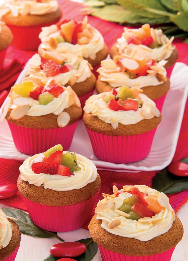 Cupcake con crema alla vaniglia e macedonia di frutta