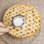 Crostata con mele e pesche: una ricetta per la colazione