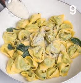 Tortelli fatti a mano con ricotta e spinaci