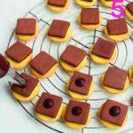 Biscotti doppi con crema al cioccolato: gli opposti si... mangiano!