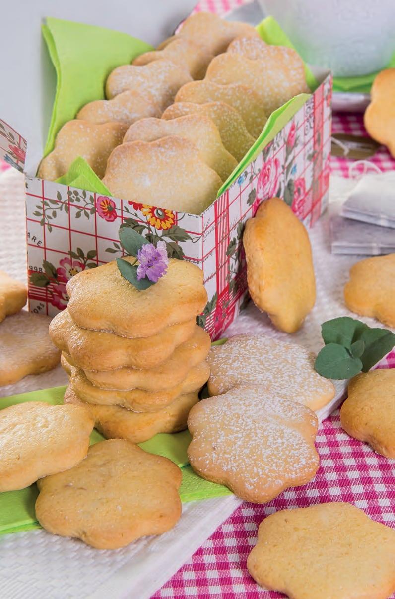 Fiori di giugno: ricetta dei biscotti alle mandorle