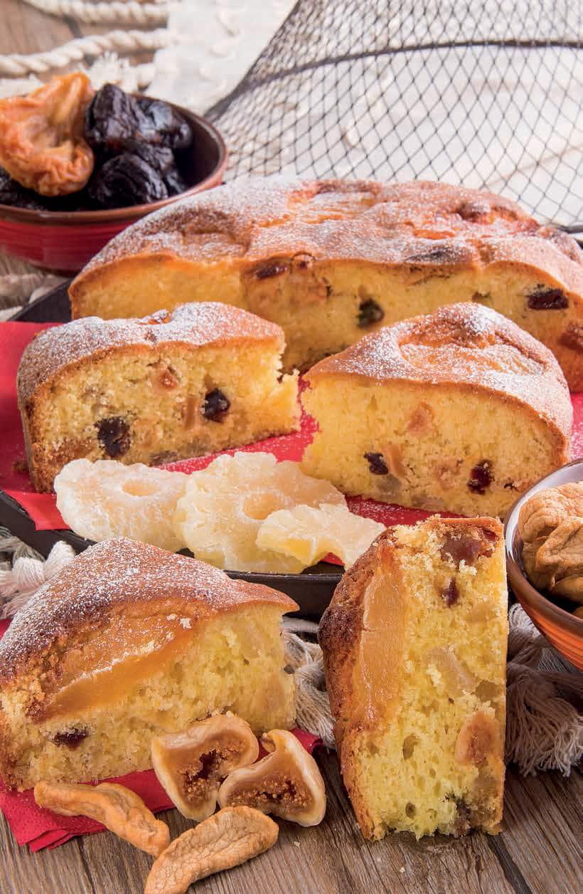 Torta Natalina con prugne secche, albicocchesecche e fichi secchi