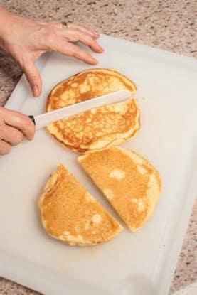 Pancake soffici al cocco da farcire a piacere