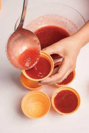 Budino alle fragole e zucchero di canna, senza latte