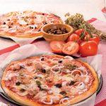 Pizza al tonno e cipolla con impasto fatto a mano