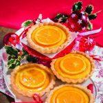Crostatine al semolino con sciroppo all'arancia