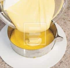 pasta biscotto allo Strega con crema alla vaniglia