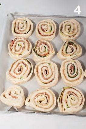 Girelle con zucchine, provolone e prosciutto crudo