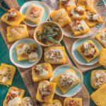 Bruschette di polenta con gorgonzola, lardo e pancetta