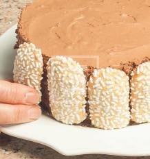 Charlotte al cioccolato e meringa: la ricetta illustrata