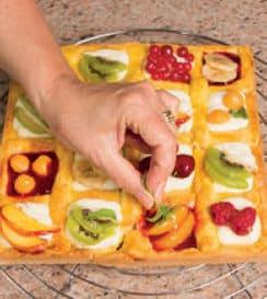 Crostata al mascarpone e fantasia di frutta