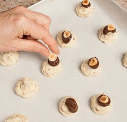 Mini praline al cioccolato bianco e nocciole