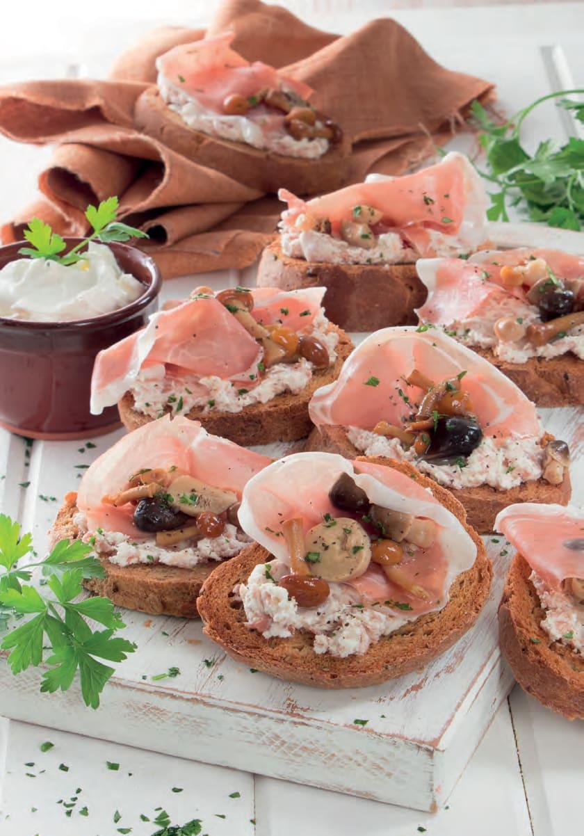 Bruschette al mascarpone con prosciutto crudo e funghetti