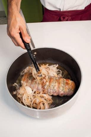 Arrosto di vitello in crosta di pancetta: ricetta della domenica