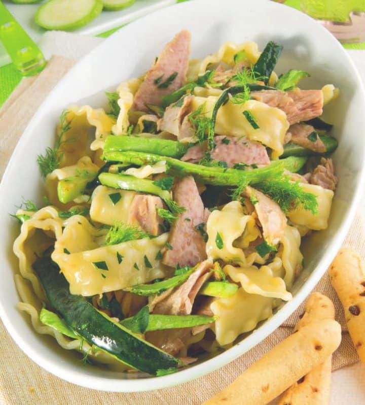 Reginette con tonno, zucchine e finocchietto
