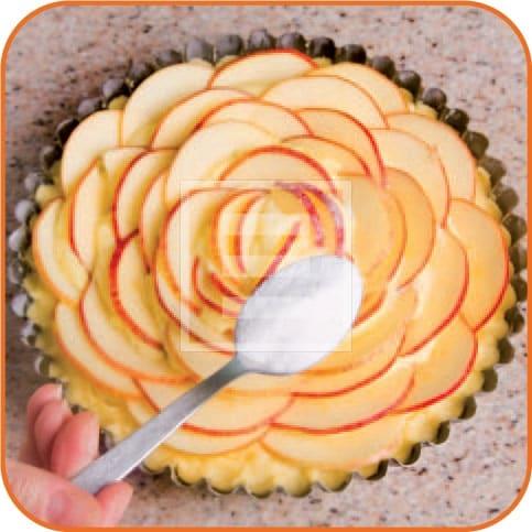 Torta Fior di mele: un esercizio di design e gusto. Ricetta illustrata