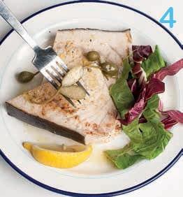 Pesce spada con capperi e limone: la ricetta illustrata