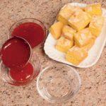Fondente di frutti rossi con torta di mandorle
