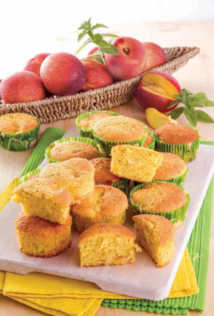 Tortine soffici alle pesche, ottime come basi per cupcake