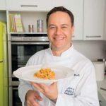 Piovra alla curcuma, cruditè di verdure e maionese dello chef Marchini