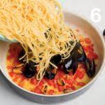 Spaghetti con cozze e pomodorini: ricetta illustrata