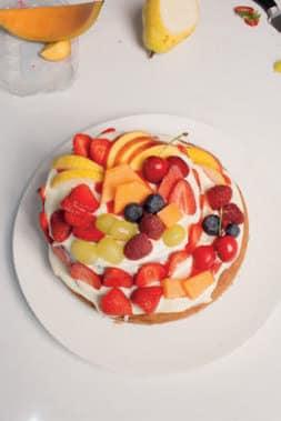 """Torta """"montagna di frutta"""" con ganache al mascarpone"""