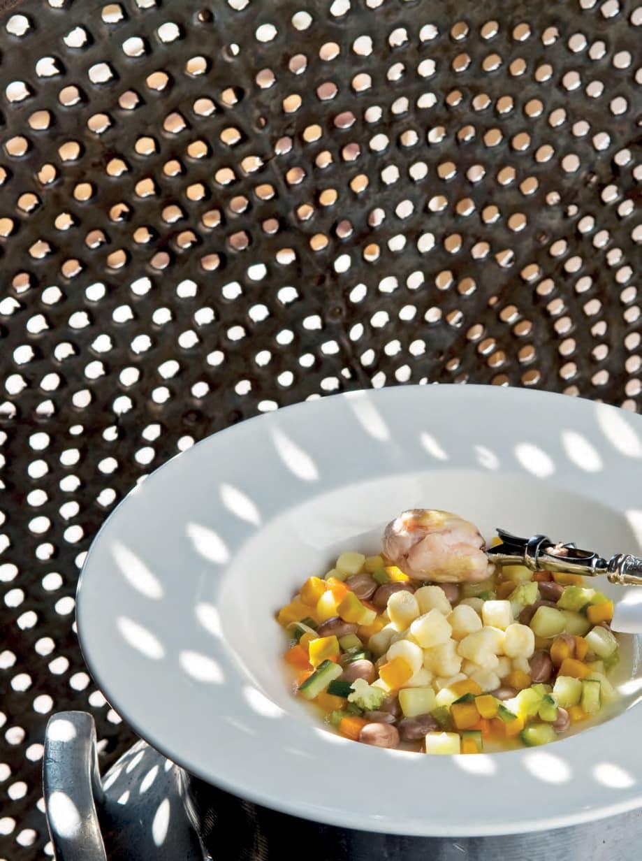 Gnocchetti ai tre parmigiani con minestra tiepida di verdure