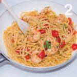 Spaghetti con astice, pomodorini e gamberi argentini