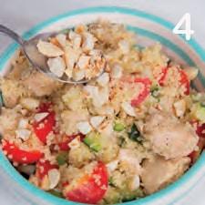 Cous cous primavera con pollo, zucchine e menta