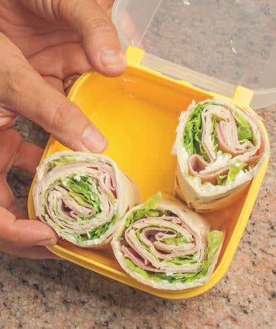 Piadine con salame e prosciutto per il pic nic